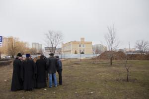 Глава Волгодонской епархии епископ Корнилий провел выездное совещание на месте строительства духовно-просветительского центра в г.Волгодонске