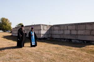 Епископ Волгодонский и Сальский Корнилий посетил место строительства храма св. великомученика Георгия Победоносца поселка Зеленолугский Великокняжеского благочиния