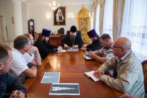 Глава Волгодонской епархии епископ Корнилий возглавил совещание в котором приняли участие представители предприятий благотворителей г. Волгодонска
