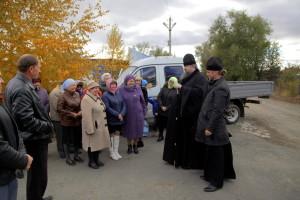 Епископ Волгодонский и Сальский Корнилий совершил визит на место строительства храма в честь святителя Николая Чудотворца в хуторе Рябичев 29 октября 2015 года