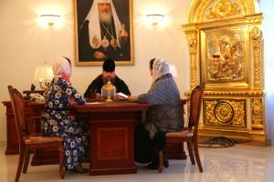 Епископ Волгодонский и Сальский Корнилий возглавил заседание по защите материнства и детства. 24.11.2015 г.
