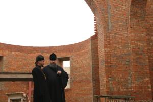 Епископ Волгодонский и Сальский Корнилий совершил визит на место строительства храма в честь святителя Николая Чудотворца в хуторе Рябичев 26.11.2015 года.