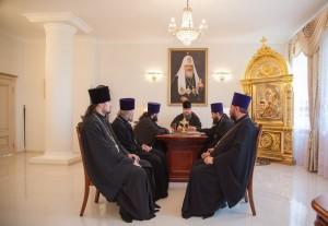 Глава Волгодонской епархии епископ Волгодонский и Сальский Корнилий возглавил совещание. 21.06.2016 года.