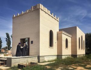 Епископ Волгодонский и Сальский Корнилий посетил строящийся храм с.Дубовское.