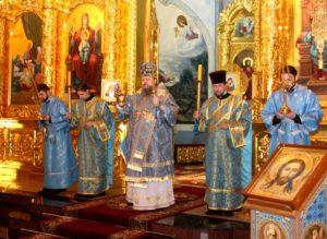 29 октября епископ Корнилий возглавил Всенощное бдение в волгодонском кафедральном соборе Рождества Христова