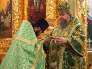 8 октября – День памяти Сергия Радонежского. Епископ Корнилий провел архиерейскую службу в кафедральном соборе Волгодонска
