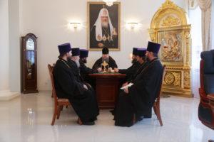 10.10.2017 г. Епископ Волгодонский и Сальский Корнилий возглавил совещание.