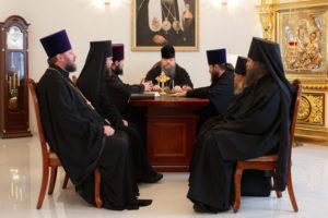 18.10.2017 г. Епископ Волгодонский и Сальский Корнилий возглавил совещание.