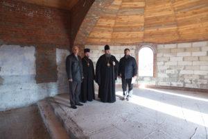 17.11.2017г. епископ Волгодонский и Сальский Корнилий посетил строящийся храм в х. Карнауховский