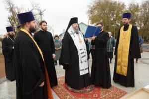 13.11.2017 г. епископ Волгодонский и Сальский Корнилий совершил чин освящение креста и купола г.Волгодонск