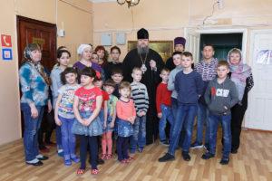 8.04.2018 года Епископ Волгодонский и Сальский Корнилий посетил детский дома «Аистенок».