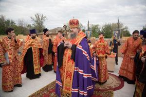 13.05.2018 года, епископ Волгодонский и Сальский Корнилий совершил чин закладки камня