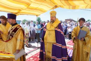13.06.2018 года, епископ Волгодонский и Сальский Корнилий совершил чин закладки камня пос. Зеленолугский.