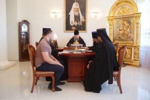 20.06.2018 г. епископ Волгодонский и Сальский Корнилий возглавил совещание по росписи храма