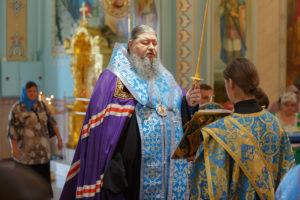 6.7.2018г. епископ Волгодонский и Сальский Корнилий молился за божественной литургией г. Волгодонск