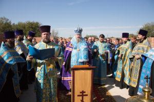 25 сентября епископ Волгодонский и Сальский Корнилий совершил закладку камня в основание строящегося храма в честь иконы Божией Матери «Спорительница хлебов» с. Савдя