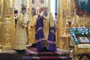 9.10.2018г. епископ Волгодонский и Сальский Корнилий молился за божественной литургией г. Волгодонск