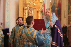 10.12. 2018 г. епископ Корнилий молился за Божественной литургией г.Волгодонск