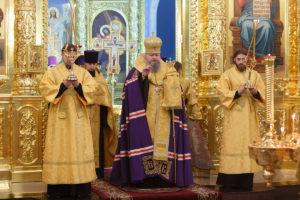 13.12.2018 г. епископ Корнилий молился за Божественной литургией