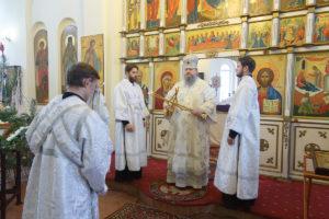 14.01.2019 г. епископ Корнилий совершил Божественную литургию ст. Тацинская.