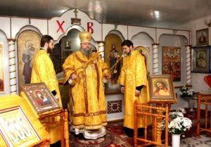 Божественная литургия в храме Всех святых (п. Зимовники)