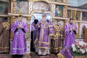 16.03.2019 г. епископ Корнилий совершил всенощное бдение в храме Покрова Пресвятой Богородицы города Морозовска.