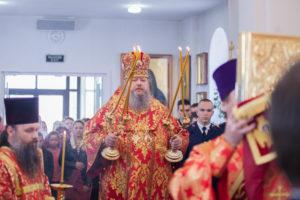 29.04.2019 г. епископ Корнилий совершил Божественную литургию в храме святителя Димитрия Ростовского города Сальска.