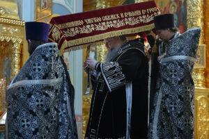 26 апреля 2019 года епископ Корнилий совершил вечерню с выносом Плащаницы Спасителя