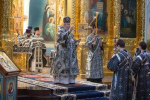 27 апреля 2019 года, в Великую субботу, епископ Корнилий совершил вечерню с чтением 15 паримий и Божественную литургию святителя Василия Великого