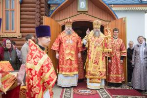 30 апреля 2019 года, во вторник Светлой седмицы в храме в честь иконы Пресвятой Богородицы «Остробрамская» хутора Старозолотовский была совершена Божественная литургия.