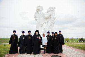 03.05.2019 г. епископ Корнилий возложил цветы к мемориальному комплексу на месте бывшего концентрационного лагеря военнопленных