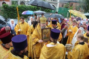 12.07.2019 — Божественная литургия и крестный ход в храме Петра и Павла (г. Волгодонск)