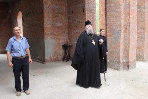 22.07.2019 — Епископ Корнилий посетил строящиеся приходы Сальского благочиния