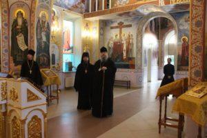 Епископ Корнилий посетил строящийся храм в хуторе Рябичев Волгодонского района