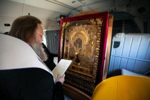Митрополит Меркурий возглавил крестный ход над Ростовом с Донской иконой Божией Матери