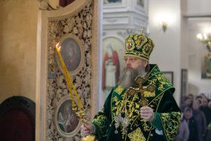 Мирополит Меркурий отслужил Божественную литургию в храме в честь Иоанна Кронштадтского в день памяти святого