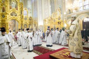 В Рождественский сочельник Глава Донской митрополии совершил Божественную литургию в кафедральном соборе Рождества Пресвятой Богородицы Ростова-на-Дону