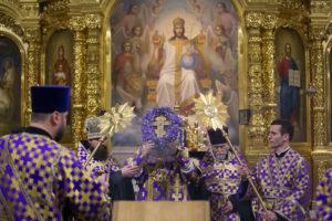 В субботу третьей седмицы Великого поста митрополит Ростовский и Новочеркасский Меркурий совершил всенощное бдение в Ростовском кафедральном соборе