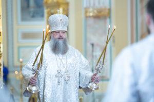 В Великую субботу митрополит Ростовский и Новочеркасский Меркурий совершил Божественную литургию в Ростовском кафедральном соборе