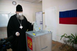 Глава Донской митрополии принял участие в голосовании по поправкам в Конституцию РФ