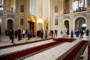 В Неделю 7-ю по Пасхе митрополит Меркурий совершил Божественную литургию в Ростовском кафедральном соборе