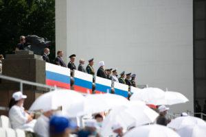 Митрополит Ростовский и Новочеркасский Меркурий посетил парад в честь 75-летия Великой Победы