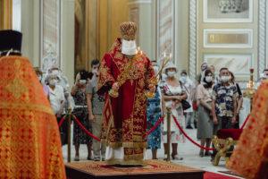 В день памяти великомученика и целителя Пантелеимона митрополит Меркурий совершил Божественную литургию в Ростовском кафедральном соборе